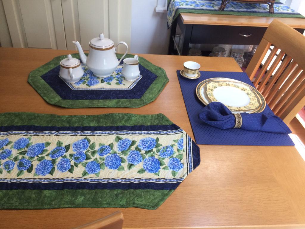 hydrangea table set